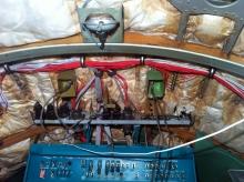 Процесс прокладки электропроводки в кабине