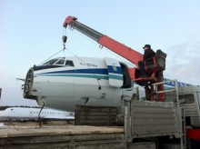 Погрузка кабины экипажа на грузовик